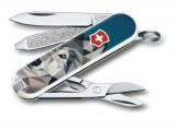 Victorinox Classic The Wolf is Comming Home