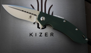 Kizer Sovereign Tang G10 green
